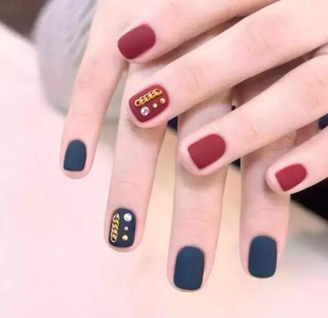 Simple and gorgeous nail art