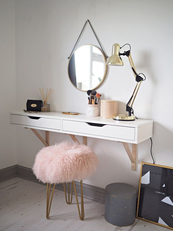 Your exclusive dressing table